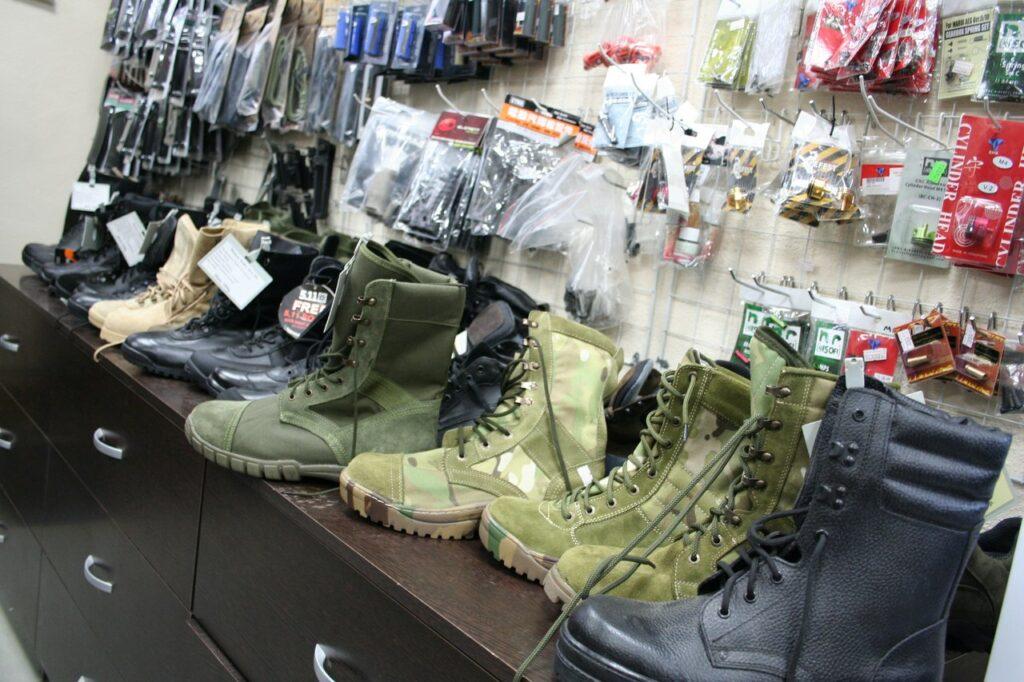 Обувь в страйкбольном магазина airsoft66.ru