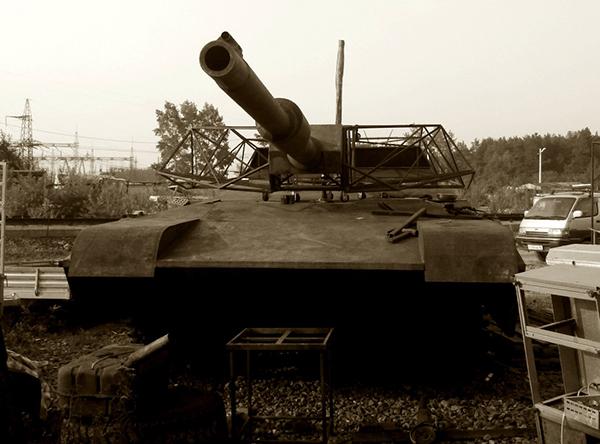 Страйкбольный танк Абрамс А1М1 почти в сборе