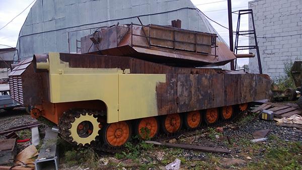 МТ ЛБ в доспехе танка Абрамс А1М1