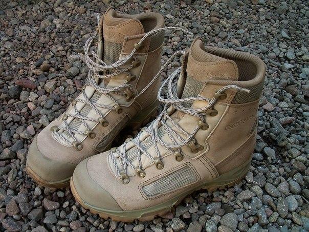 Lowa Elite Desert Boots