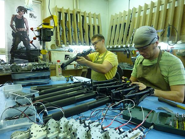 Производитель страйкбольного оружия НПО АЕГ, сборка